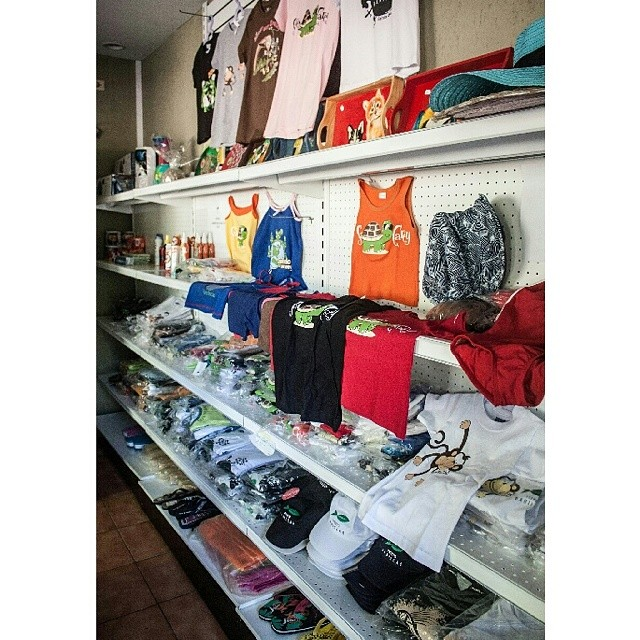 En nuestra tienda de conveniencia tienes todo. ¡No te hace falta nada!  In our convenience store we have everything you need.  #puertobarillas #elsalvador #travel #traveling #TagsForLikes #TFLers #vacation #visiting #instatravel #instago #instagood #trip #holiday #photooftheday #fun #travelling #tourism #tourist #instapassport #instatraveling #mytravelgram #travelgram #travelingram #igtravel