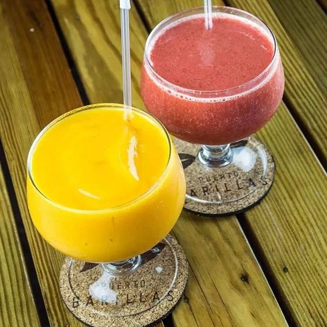 ¡Qué rico empezar tu Viernes con un frozen de frutas naturales! Pruébalos en el restaurate El Conacaste de Puerto Barillas... #puertobarillas #elsalvador #delicious #fruit #frozen #natural #great #place #travel #travelingram #drink #amazing #colors #welcome #paradise #yummy #start #friday