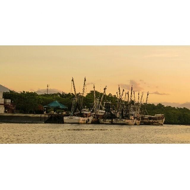 ¿Ya tienes el lugar para disfrutar tus vacaciones de Agosto? ¡Puerto Barillas es el lugar perfecto! Comodidas, relajación, exquisita comida, perfectos paisajes, etc! Te esperamos.
