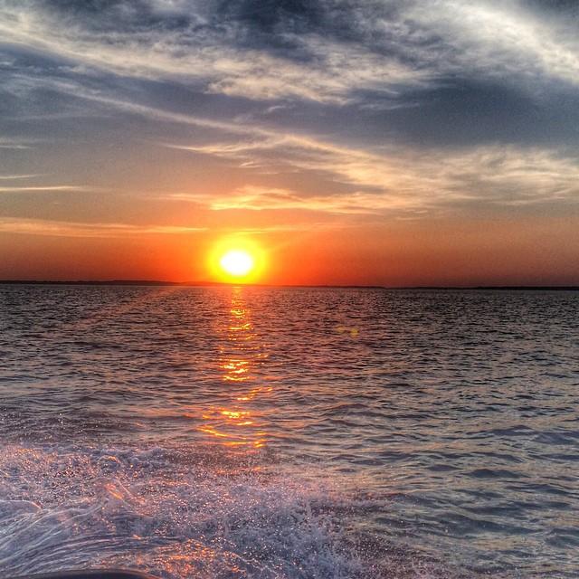 Enjoy This weekend, with a lovely sunset! @sunset @saturdaysarefun @visitelsalvador @travel @jiquiliscobay @whatawonderfulworld @peaceful @ilovepuertobarillas