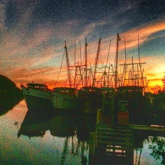 Sunsets @thebay. / Atardeceres en la Bahía de Jiquilisco @puertobarillasmarinaandlodge #elsalvador #sunset #wednesday #beautiful #tours #bestoftheday #instagood #instagram