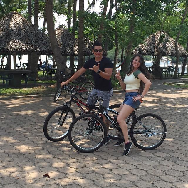 Saliendo de Puerto Barillas en bici.  Esta Semana te presentamos nuestros tours en Cultura Extrema #bike #tours #paradise #nature #agritourism #THERIDE #funday #i❤️puertobarillas